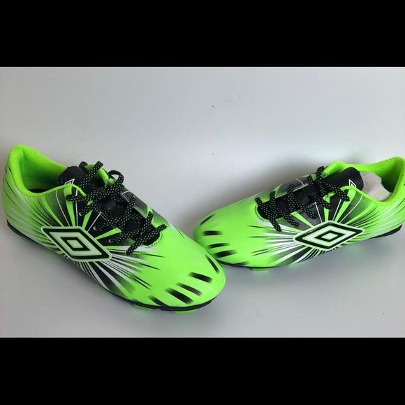 fac27b82e29 Umbro Kids  Arturo 3.0 Soccer Cleats Size 4.5